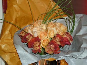 Ramo de rosas en tonos ocres