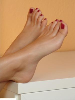 نصائح لجمال قدميك