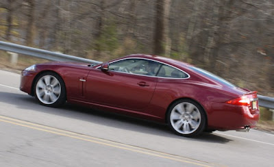 2010 Jaguar XKR Wallpaper