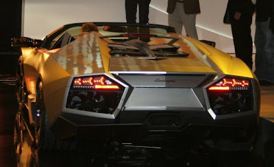 2010 Lamborghini Reventón Roadster Rear View