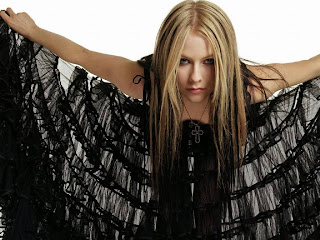 Free unwatermarked wallpapers of Avril Lavigne at Fullwalls.blogspot.com