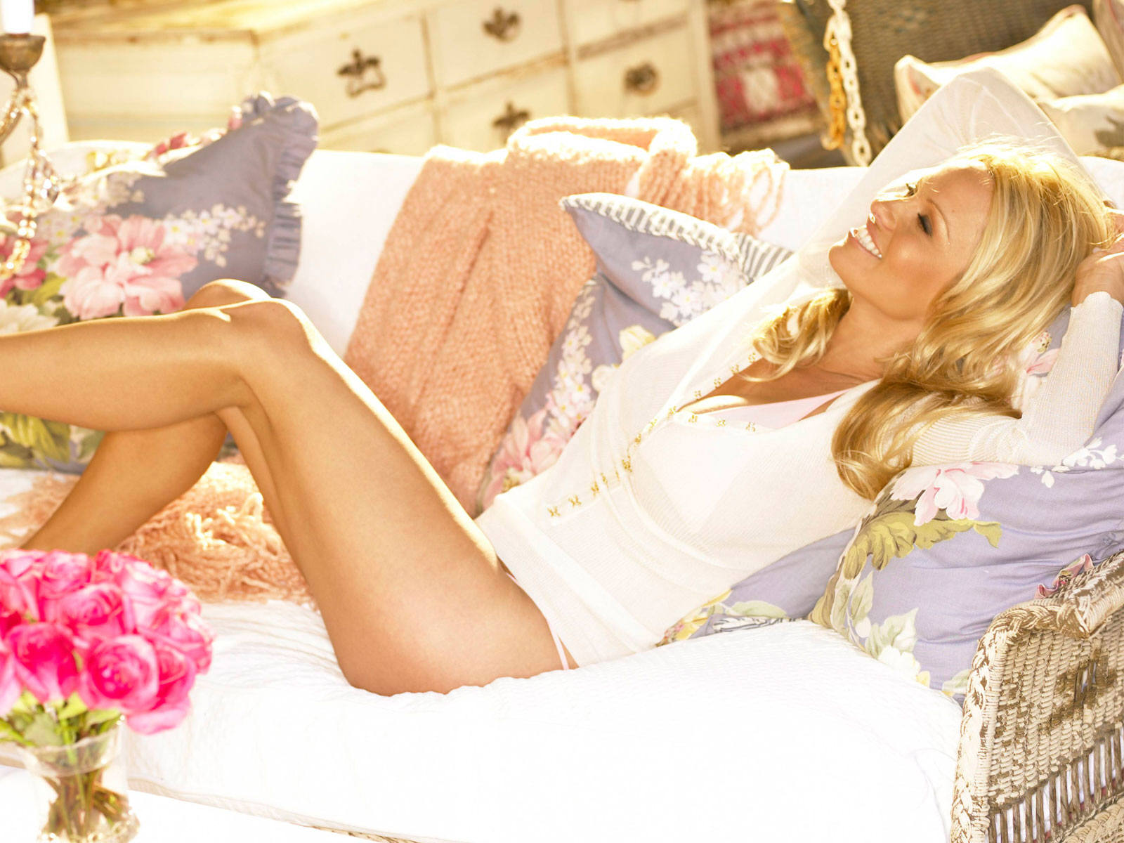Pamela Anderson Hot Wallpapers Free Download