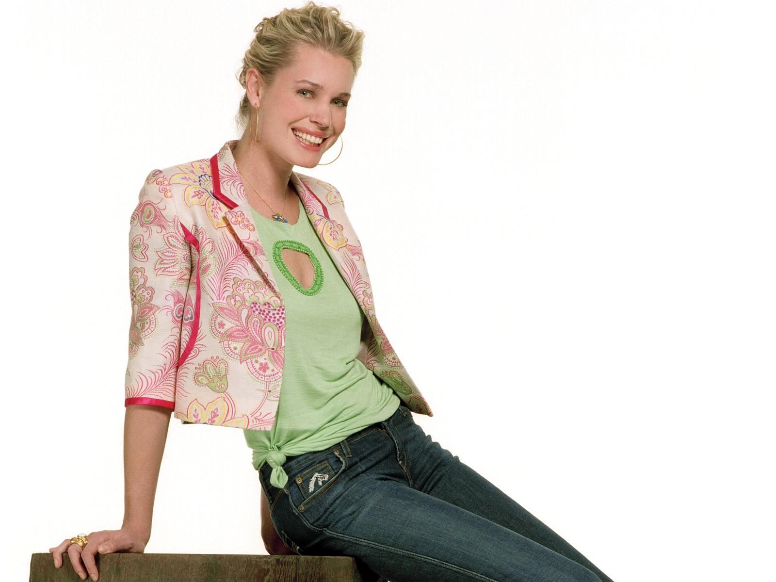 http://2.bp.blogspot.com/_Q_MQFtopsfY/SJCtbYba23I/AAAAAAAAENY/XOUDum_Bshs/s1600/Fullwalls.blogspot.com_Rebecca_Romijn_Stamos%2830%29.jpg