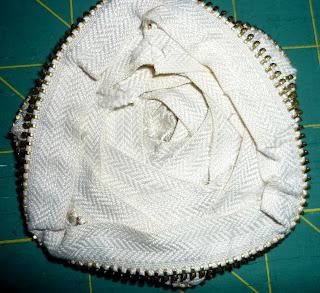P1030588 How To Make Zipper Rose