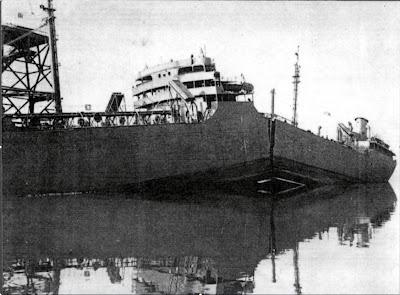 Uno de los barcos 'Liberty' partido por la mitad