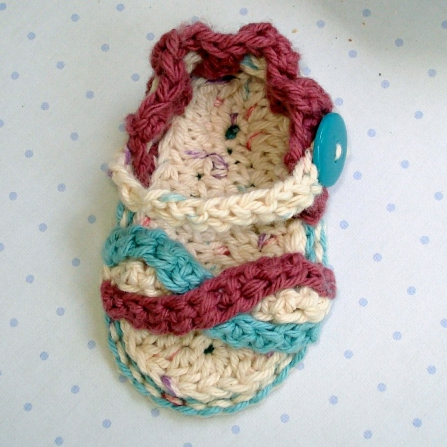 Genevive Crochet: Baby Sandals for the Summer!