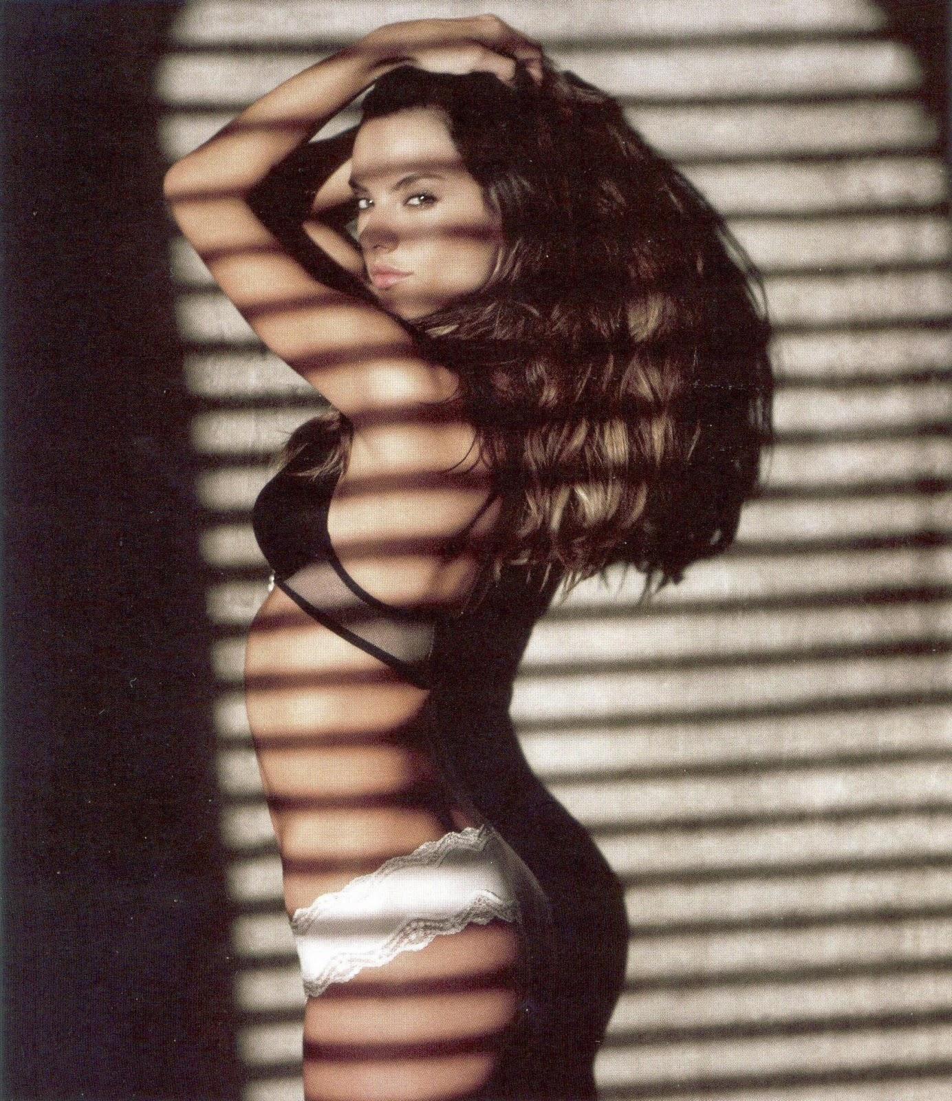 http://2.bp.blogspot.com/_QcYf_8sBCik/TTU9sp7Q4MI/AAAAAAAAIFY/KuKGCnGo7uA/s1600/Alessandra+Ambrosio+%25E2%2580%2593+GQ+Magazine+%25286%2529.jpg