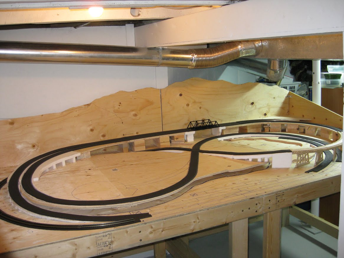 ho model train wiring diagrams ho train layouts on wall Ho Shelf Layout Ideas Ian Rice Shelf Layouts