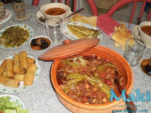 http://2.bp.blogspot.com/_QdUpP62HQjs/TE1zi6qTs_I/AAAAAAAAAsI/pLvwaCYO08k/s1600/ramadan-dune-table-ftour-L-4.jpg