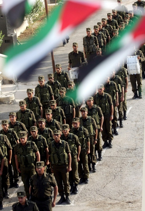 [Palestinian+security+forces+parade+during+a+graduation+ceremony+for+special+units+in+the+West+Bank+city+of+Jenin+on+May+21,+2009.jpg]