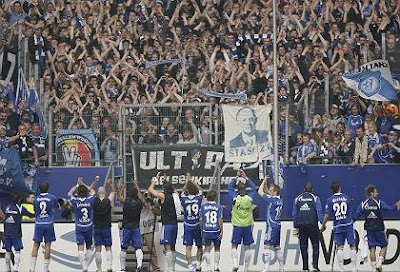 Schalke+supporters+are+among+Germany%27s+most+emotional+fans..jpg