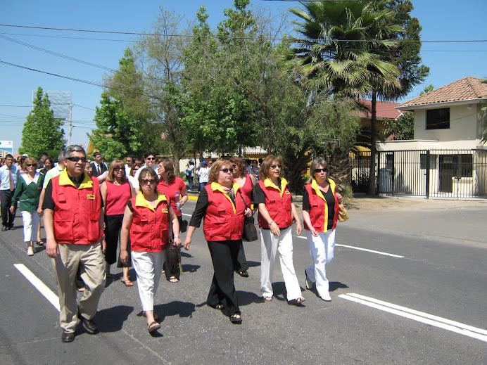 CENTRO EDUCACIONAL EDUARDO DE LA BARRA PRESENTE EN EL DESFILE COMUNAL