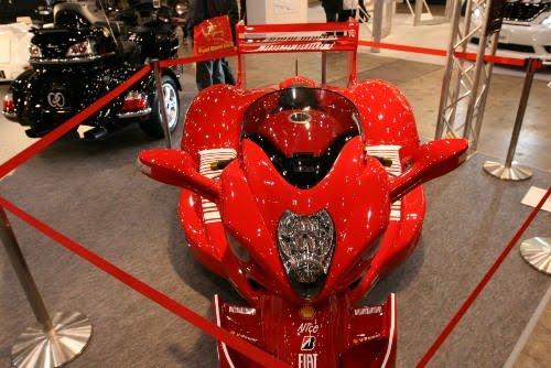 Keeway Motos: Curiosidades y Fotos: Ferrari Hayabusa & V-4