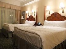 Hong-Kong-Disneyland-Hotel-Room
