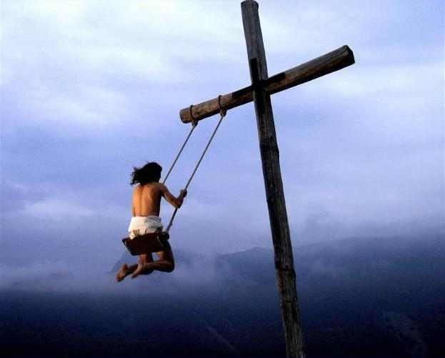 PUNTADAS CON HILO - Página 17 Jesus+columpio