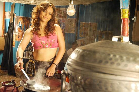 beuati full half dressing beuati sizzling ragasiya actress pics