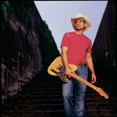 pictures of brad paisley shirtless. rad paisley shirtless pics.