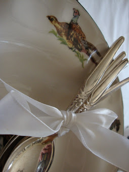 bord zilveren lepels