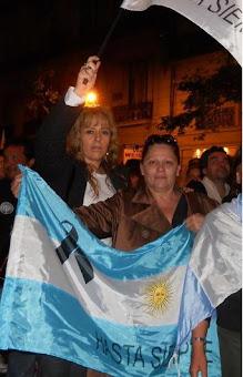 Mirta Praino y Gabriela Coduri Despedida de Nestor Kirchner