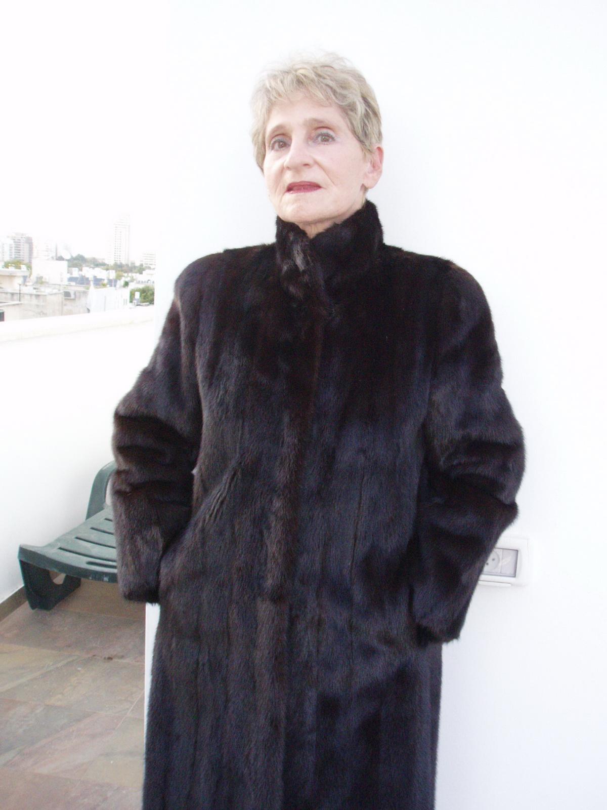 Mature Women Fur 23