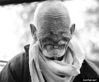 http://2.bp.blogspot.com/_QonjXrwiEbY/TI_UAnueruI/AAAAAAAAYFo/i3s1v07APuI/s1600/b_ugly_old_man.jpg