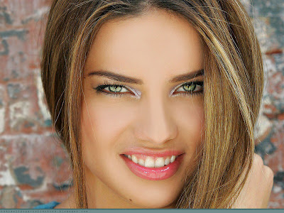 wallpapers adriana lima. adriana lima wallpaper.