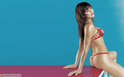 Ukrainian Actress Olga Kurylenko Wallpaper | Resolution 1280 x 800