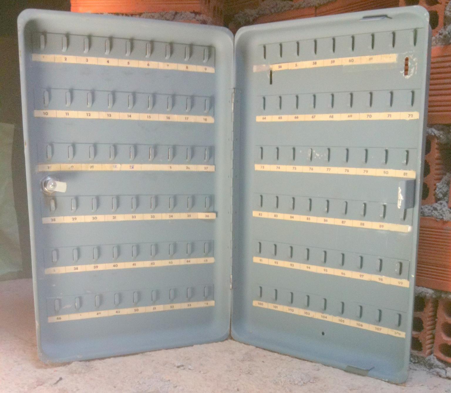 Vintage almacenaje armario casillero de llaves 120 - Armarios para llaves ...