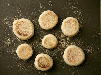 Corner loaf momofuku english muffins momofuku english muffins forumfinder Image collections