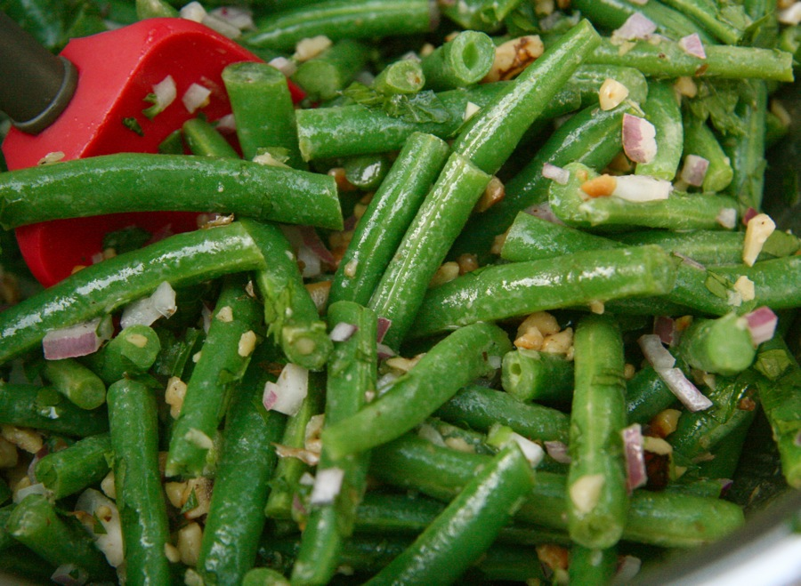 The Dogs Eat the Crumbs: Perfect Green Beans with Walnut ...