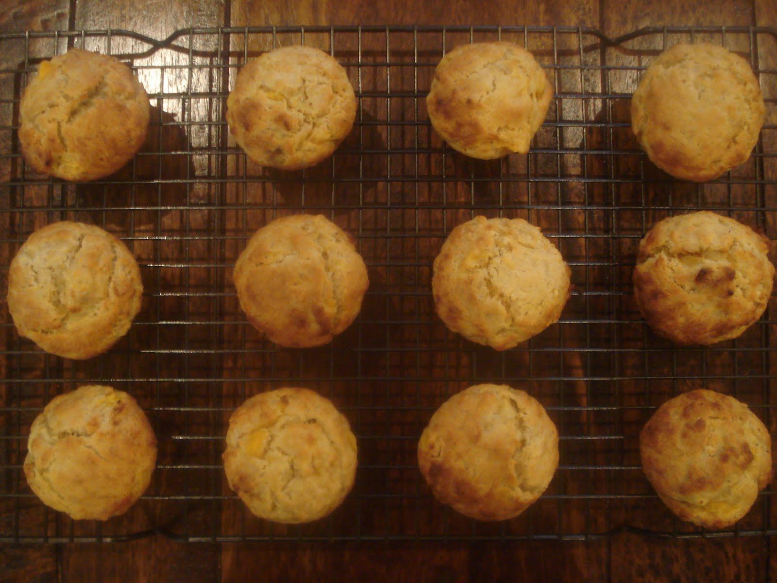 Jen Wren Cooks: Sugar Free Banana and Mango Muffins