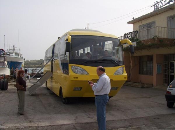 http://2.bp.blogspot.com/_QtH2zTVl70M/THakdRPgp6I/AAAAAAAAJiY/F6TZa5WQgYY/s1600/Amphibious_Coach04.jpg