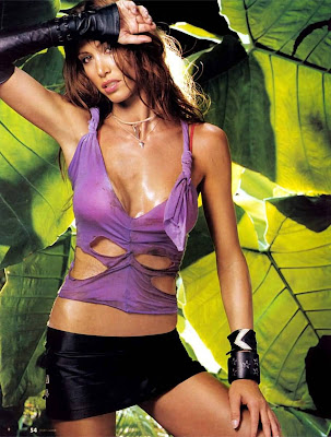 Sexy Shannon Elizabeth Pictures