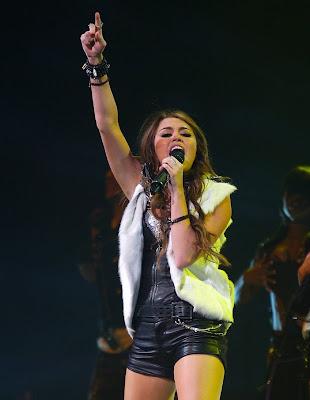 Miley Cyrus Flying On Wonder World