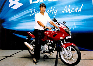 Rajeev Bajaj astride the new 220 DTS-Fi Pulsar