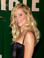 Elizabeth Banks - Great smile again. Not sure why, but I really like this ...