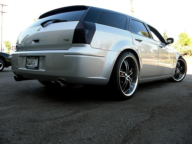 Hot Cars Custom Black Silver Dodge Hemi Magnum Rt