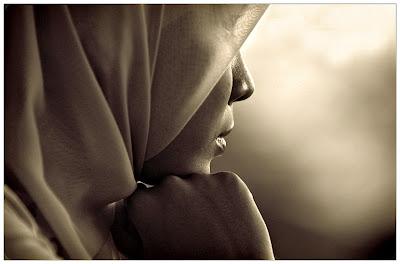 http://2.bp.blogspot.com/_R0-9F5LFTsQ/TPShj_oR06I/AAAAAAAAAEw/vT575JfRyHg/s1600/hijab.jpg
