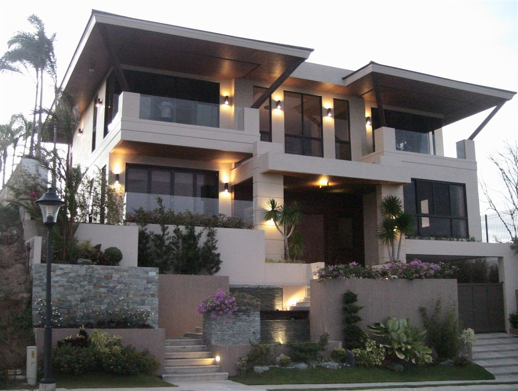 Houses and condo for rent in alabang for Pictures of two story houses in the philippines
