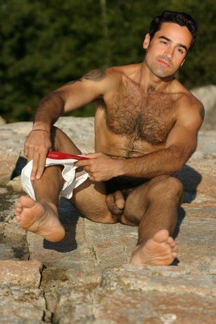 Luba hegre nude art model
