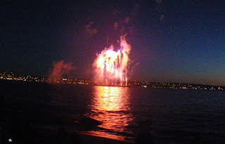 Strange face at Fireworks - Vancouver's Celebration of Light 2010 - Second Night - Spain team