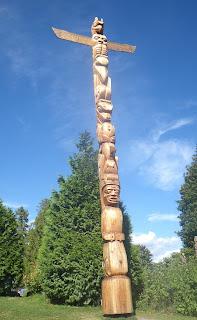 2009 - New unpainted Totem Pole, Stanley Park, Vancouver