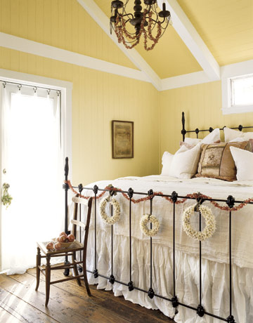 vintage cottage decorating fashion | New home decoration ideas for