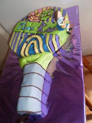 tarta de raqueta de padel según diseño de la del cumple.