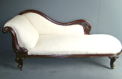 Books and chocolate the victorian chaise longue by for Antique victorian chaise longue
