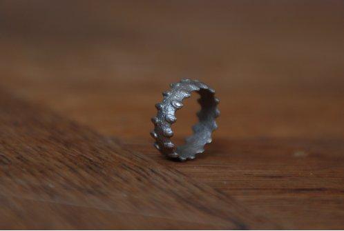 http://2.bp.blogspot.com/_R3iHnsxMkgw/S9W4FAtGzqI/AAAAAAAAAJI/d4dUwQ_ZfOg/s1600/babarian+ring.jpg
