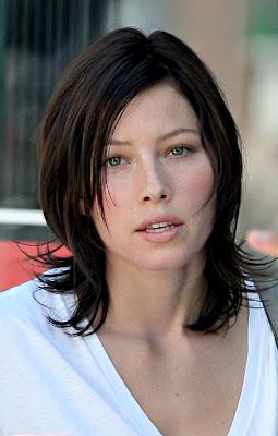 Jessica Biel Puderblau