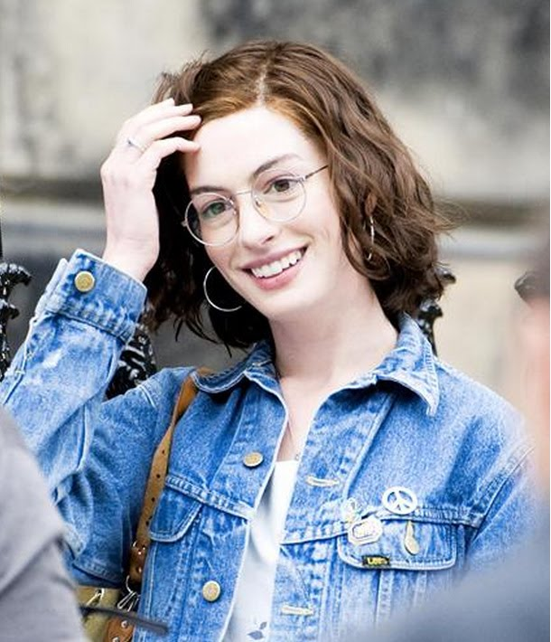 Anne Hathaway Relationship: ET: 'Love And Other Drugs' With Jake Gyllenhaal & Anne