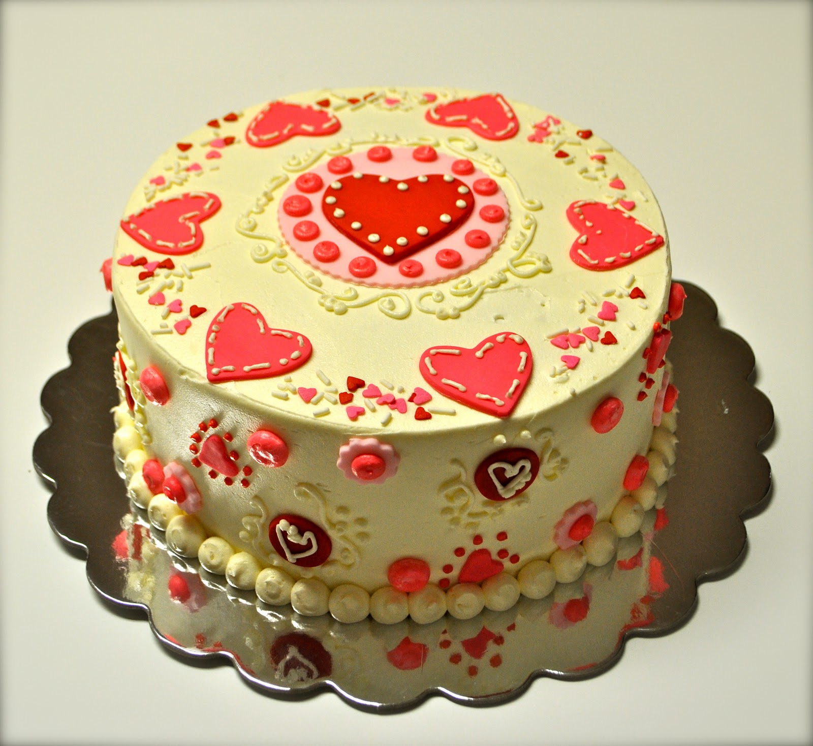 Leah\'s Sweet Treats: Valentine\'s Day Cake