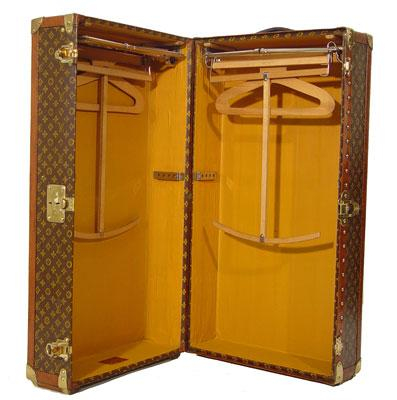 [08+Louis+Vuitton+Wardrobe+1930.jpg]]